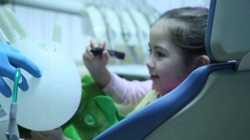 Детская стоматология в СПБ: лечение в форме игры