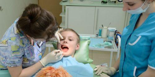 Лечение пульпита детям проводится в несколько этапов
