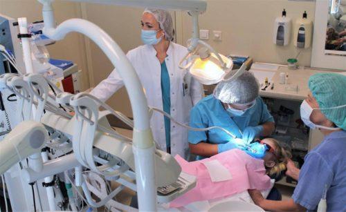 Маленький пациент стоматолога под общим наркозом